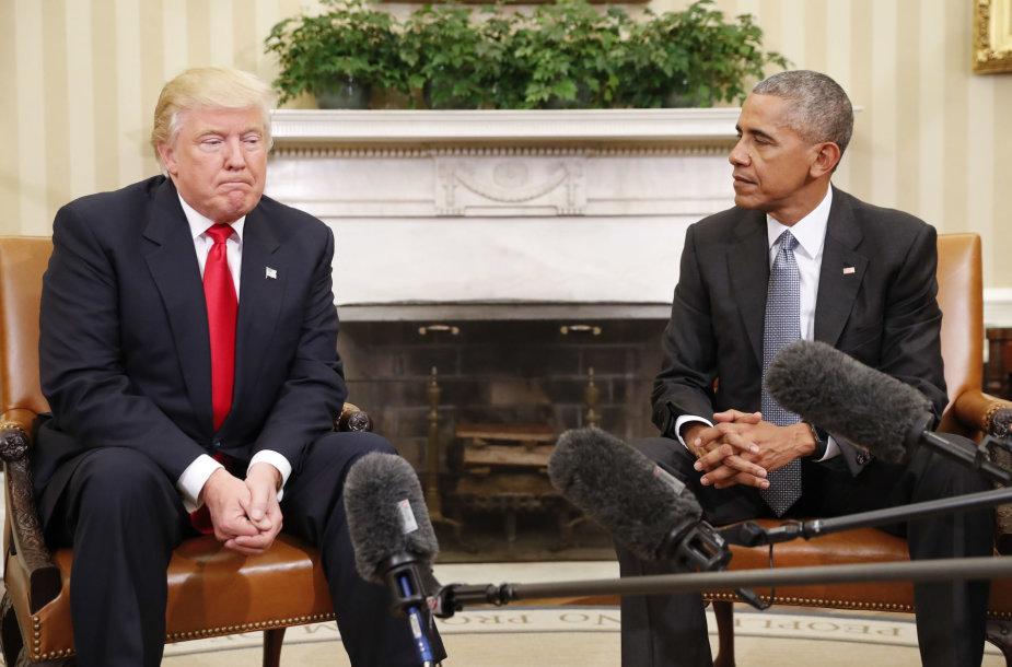 Donaldas Trumpas ir Barackas Obama Baltuosiuose Rūmuose