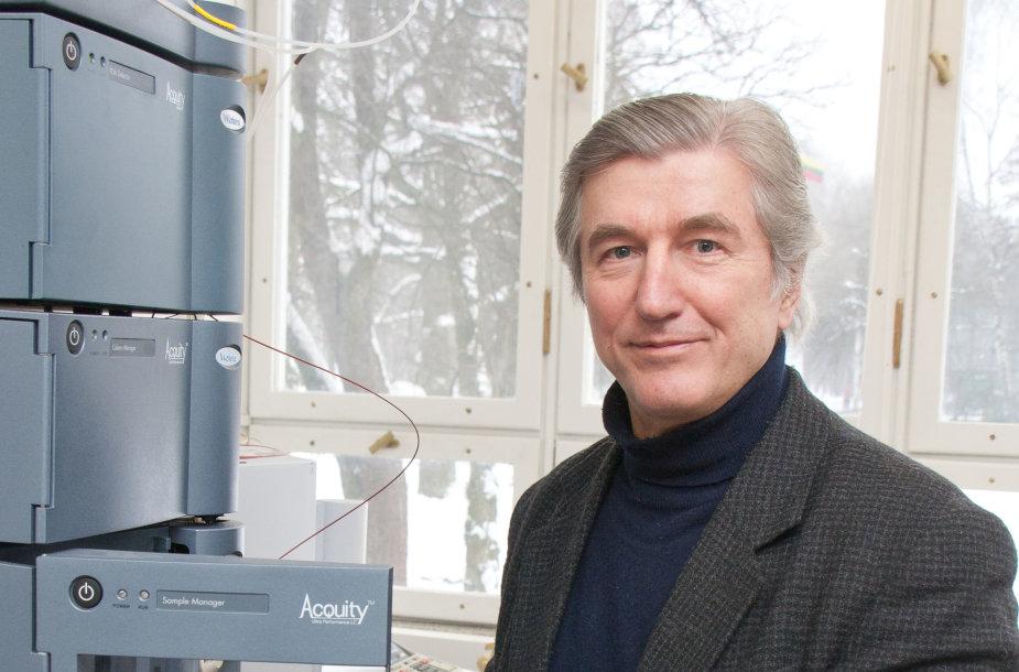 Prof. P. R. Venskutonis džiaugiasi, jog Lietuvoje pradėta vertingų natūralių fitocheminių komponentų gamyba per pastaruosius dvejus metus padėjo sukurti per  30 aukštos specializacijos darbo vietų.