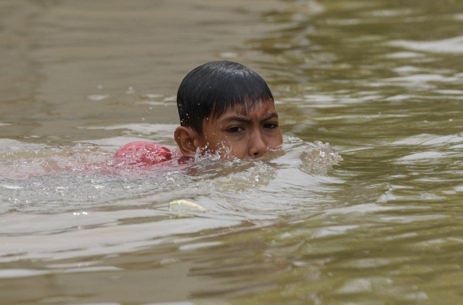 Tailandą siaubia potvyniai