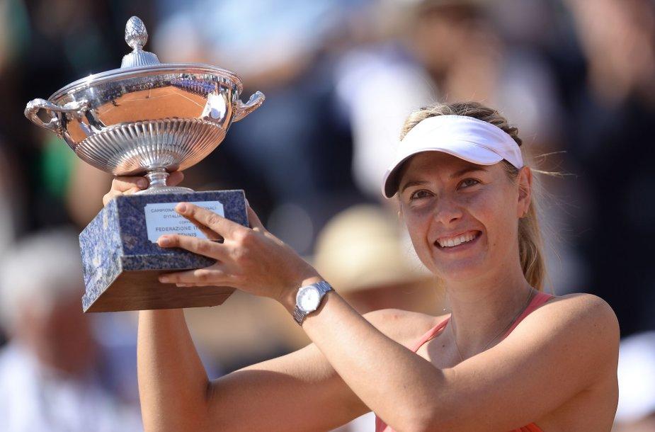 Marija Šarapova trečią kartą karjeroje tapo Romos turnyro čempione