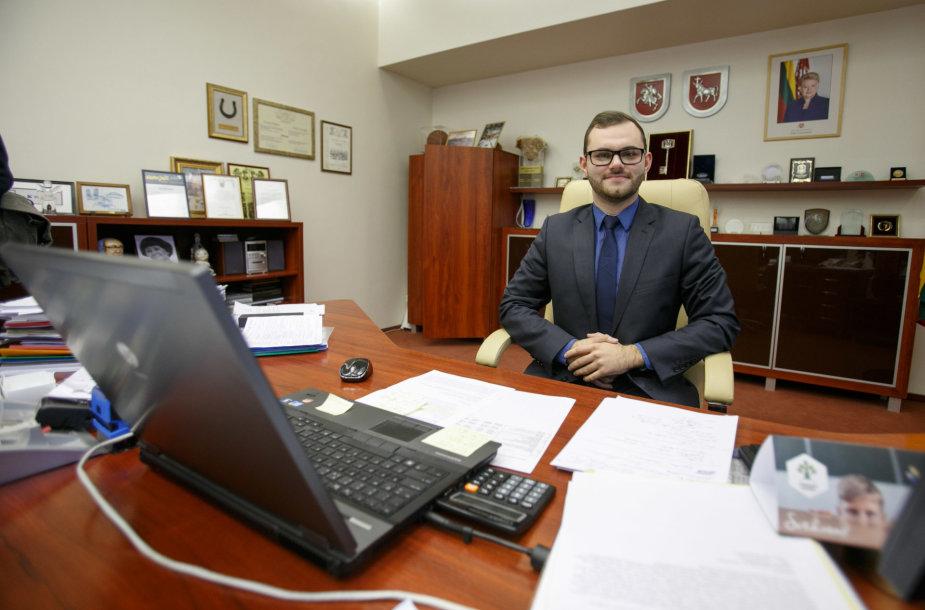 Kauno meras savo kėdę užleido studentui