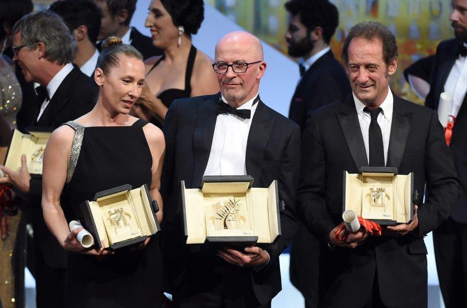 Aktorė Emmanuelle Bercot, režisierius Jacques'as Audiard'as ir aktorius Vincentas Lindonas