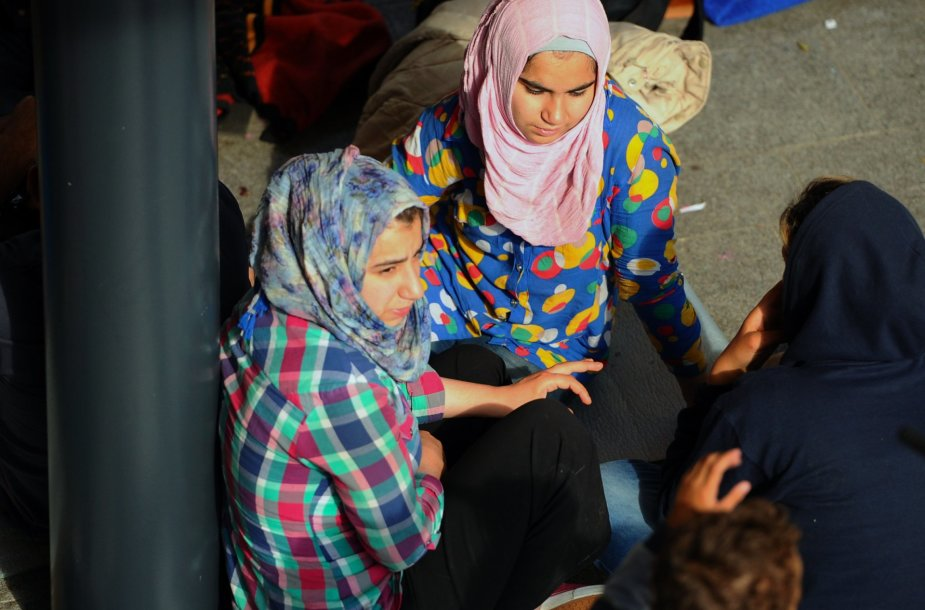 Migrantai Budapešto geležinkelio stotyje