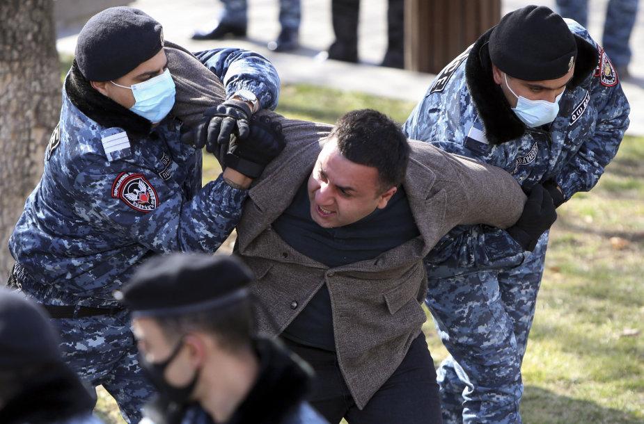 Jerevane sulaikomi protestuotojai