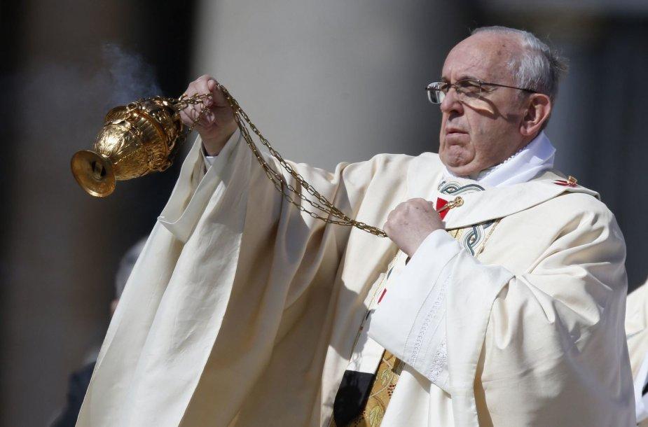 Vatikane – Velykų mišios