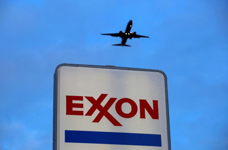 """""""ExxonMobil"""" - viena iš aktyviausių klimato kaitos neigimu užsiimančių įmonių"""