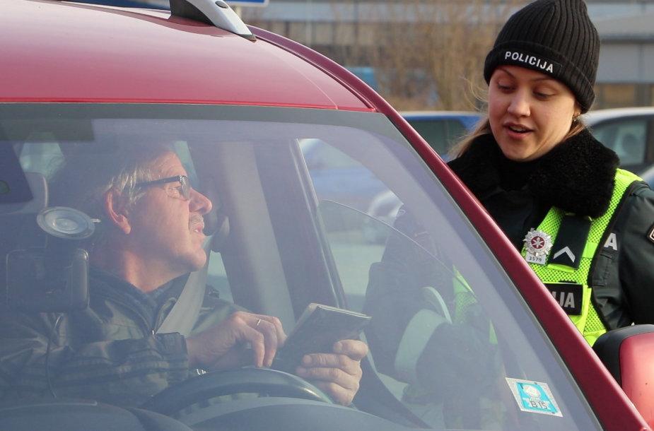 Po šventinio savaitgalio kai kurie šiauliečiai vairavo dar kauštelėję