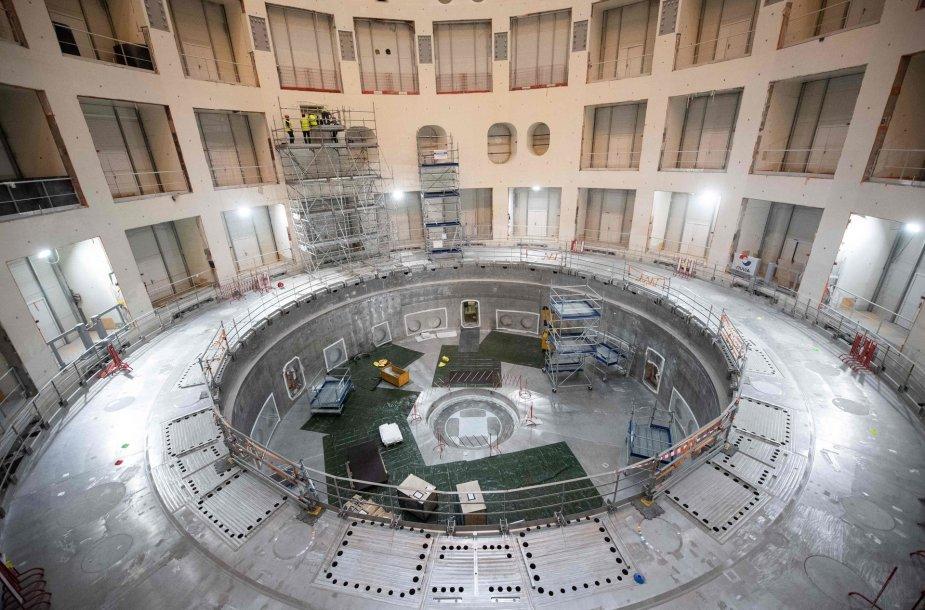 Šioje patalpoje bus montuojamas eksperimentinis ITER termobranduolinis reaktorius