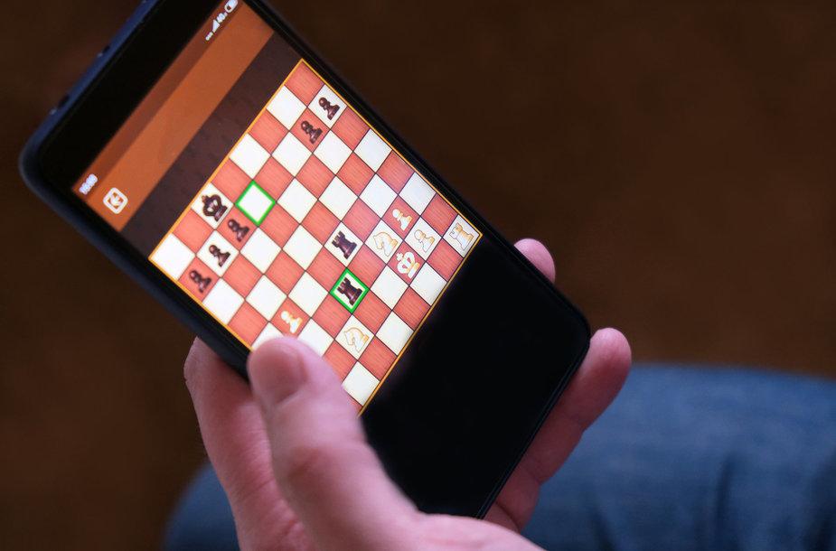 Šachmatai telefone