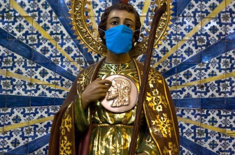 Šventojo statulėlė Meksikos bažnyčioje