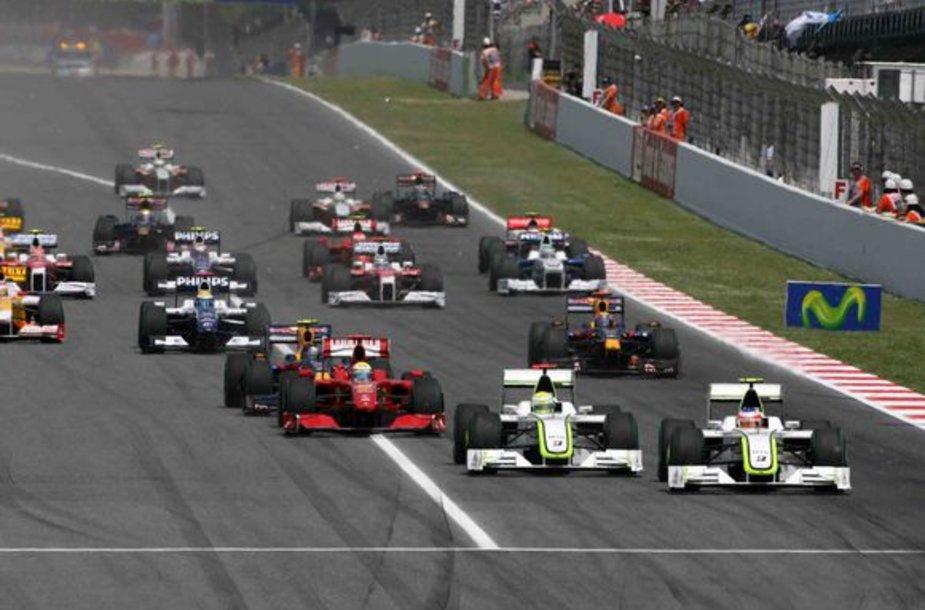 """Akimirka iš vykusio 5-ojo """"Formulės-1"""" pasaulio čempionato etapo."""