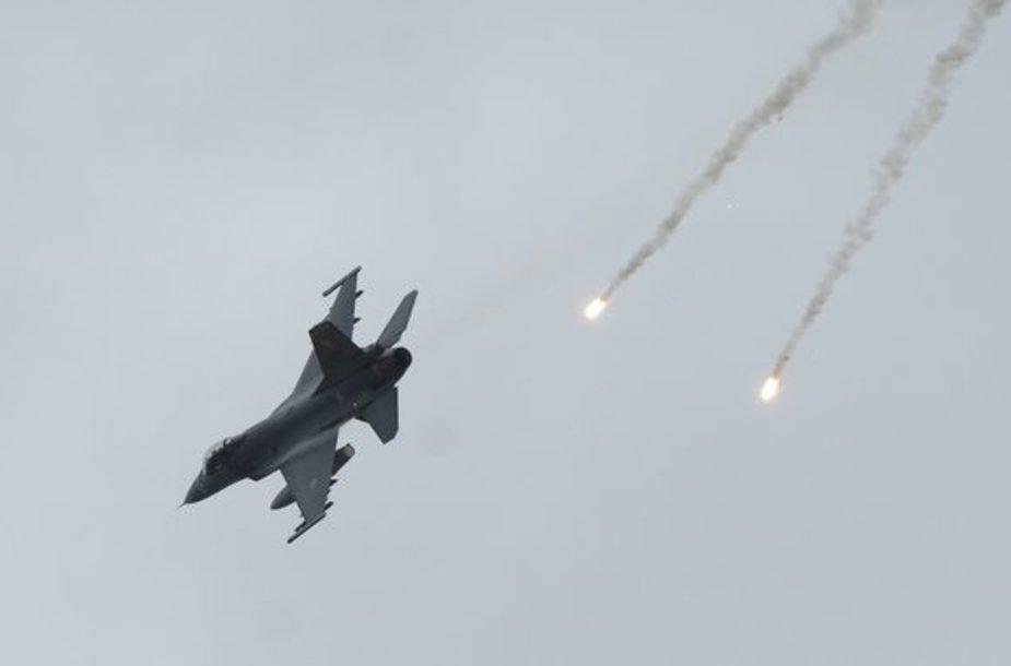 F-1 naikintuvas