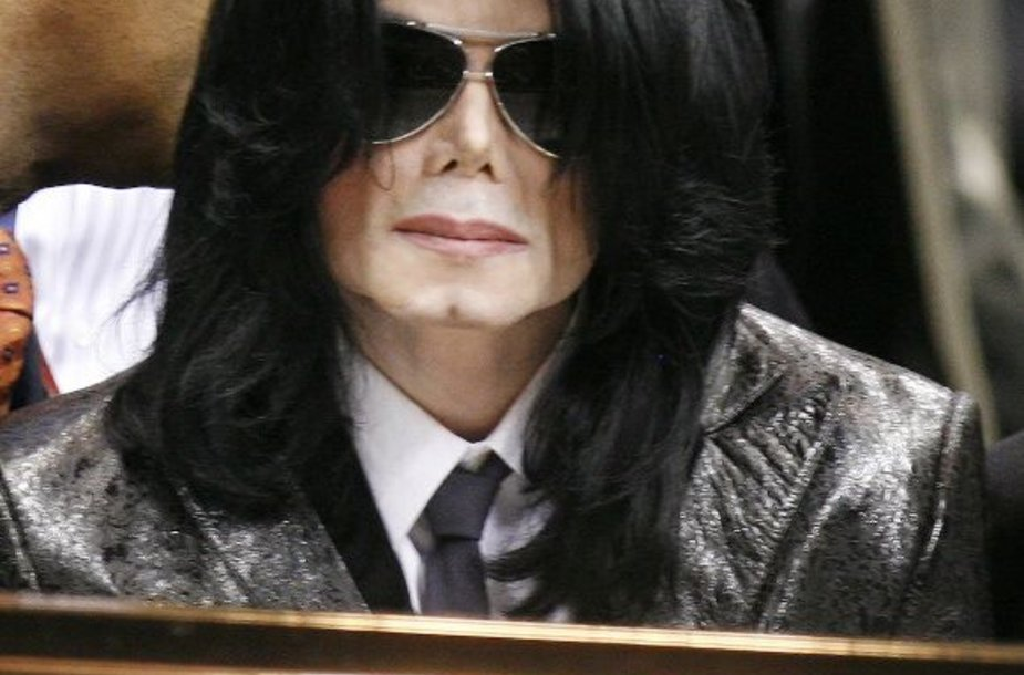 M.Jacksonas prie Jameso Browno karsto