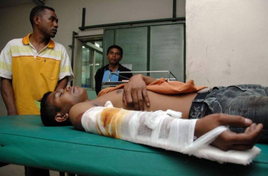 Sužeistieji po žemės drebėjimo Indonezijoje, Balio saloje