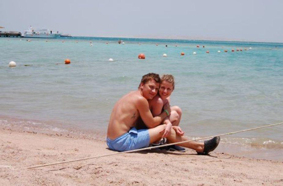 Simonas ir Lina, bikini porelė