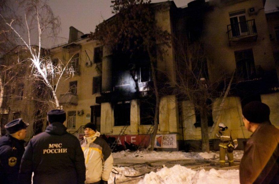 Per gaisrą Volgogrado kavinėje nukentėjo daugybė žmonių.