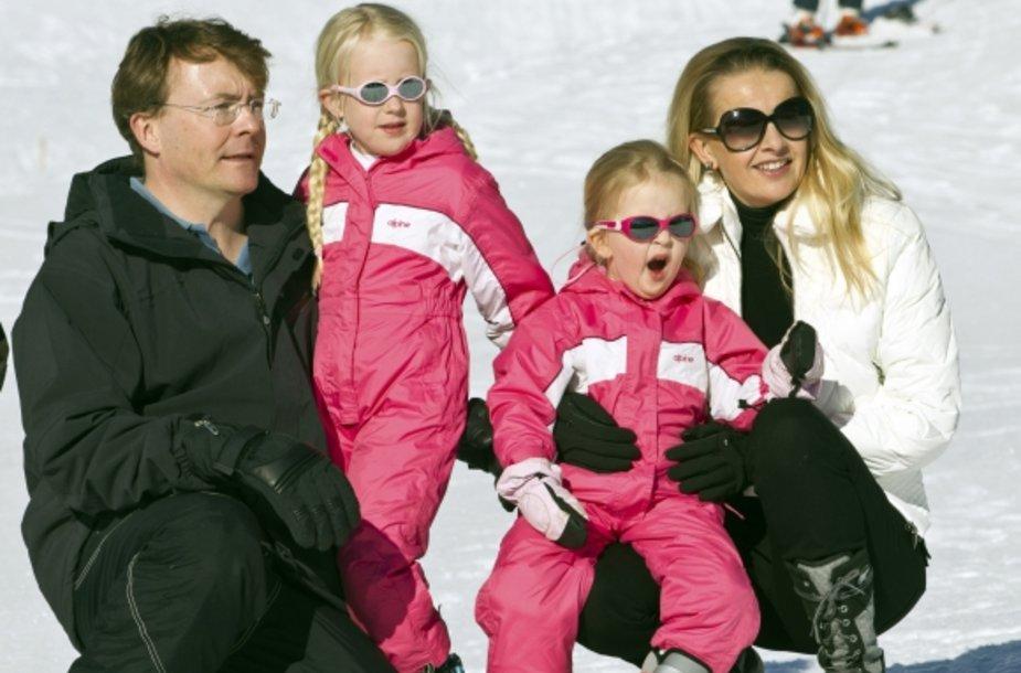 Princas Johanas Friso su žmona Mabel Wisse Smit ir dukterimis.