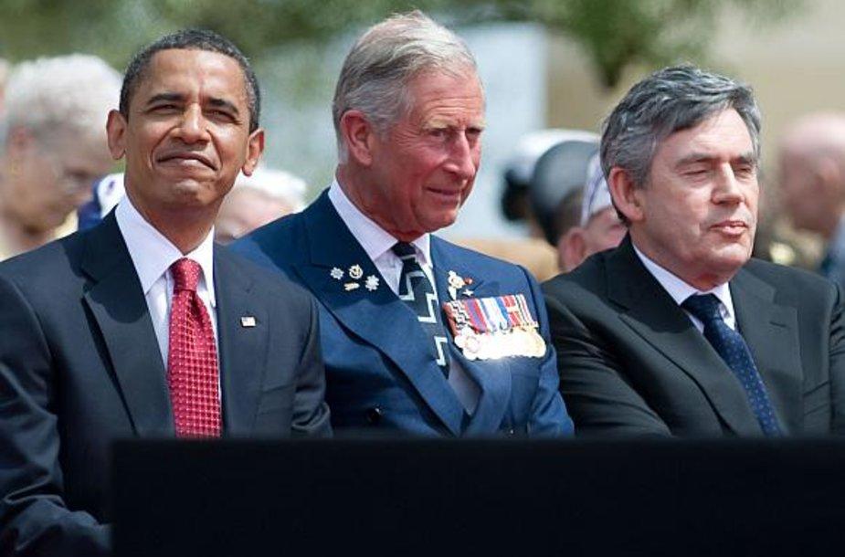 Barackas Obama, princas Čarlzas ir Gordonas Brownas Normandijoje