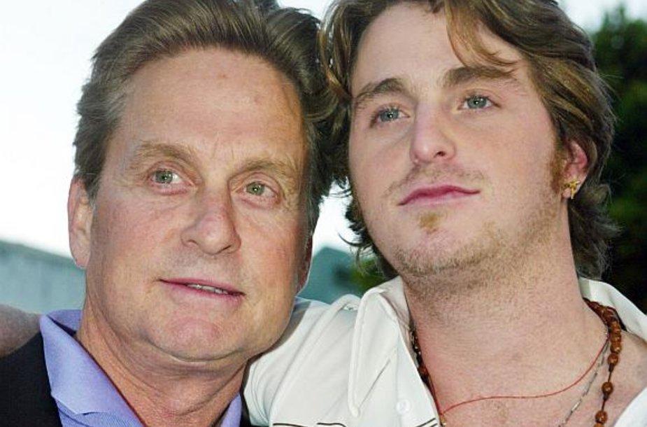 Aktorius Michaelas Douglasas ir jo sūnus Cameronas