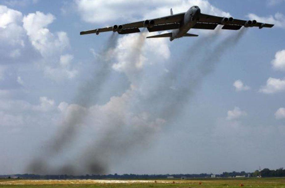 Tolimojo nuotolio bombonešis B52
