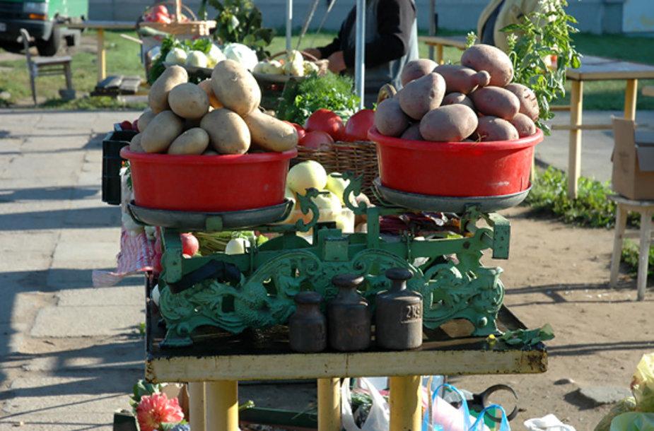 Bulvės turguje