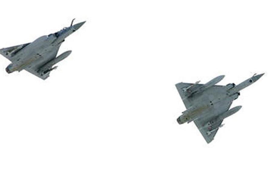 NATO lėktuvai virš Talino oro uosto