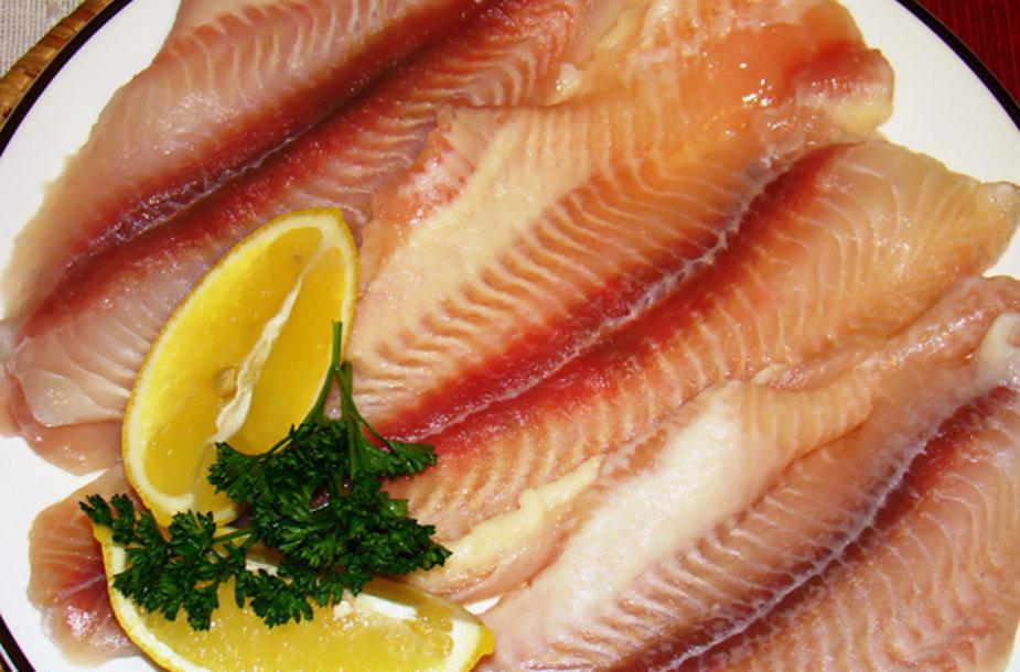 Matytas skelbimas žurnale, kad lietuviai per metus suvalgo labai mažai žuvies, pamėtėjo idėją  šį kartą ruošti patiekalą iš žuvies