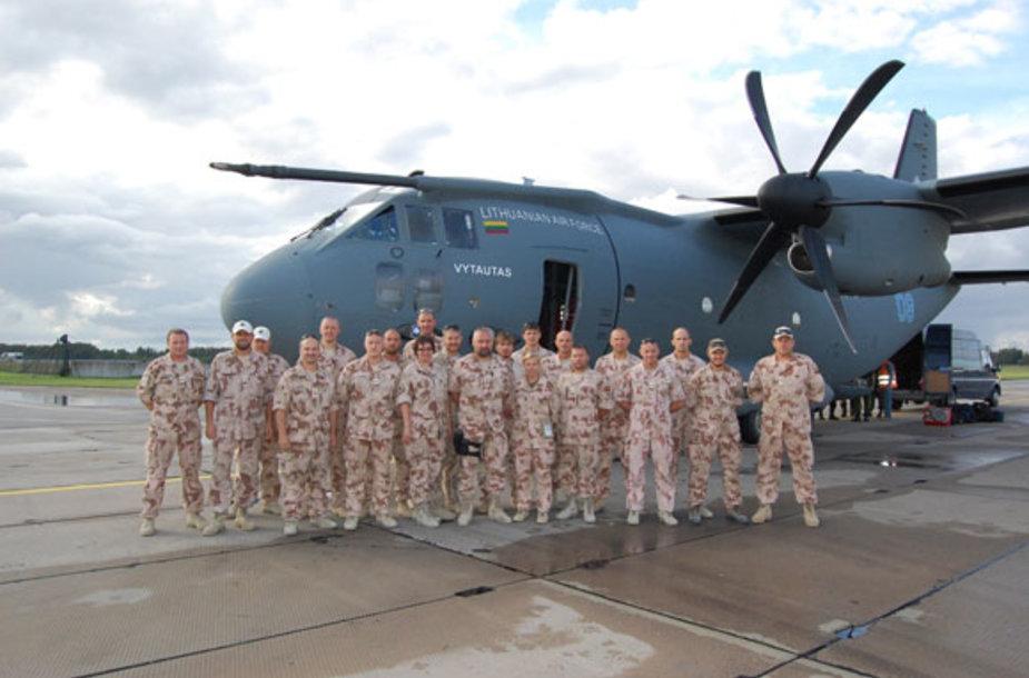 Namo iš Afganistano grįžo Lietuvos kariuomenės Nacionalinio paramos elemento penktosios pamainos (NPE-5) kariai