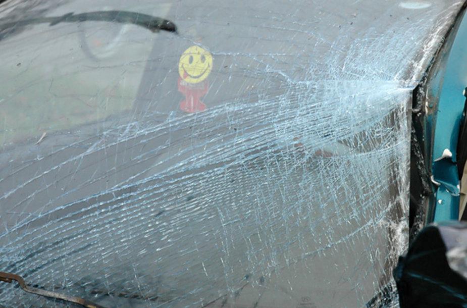 Automobilis po avarijos