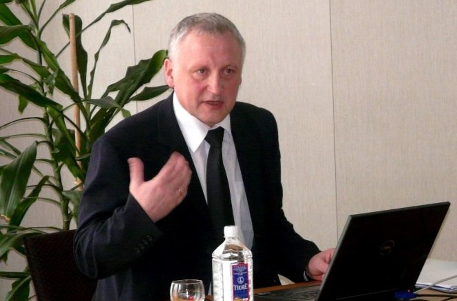 Naujasis LKKA rektorius – profesorius Albertas Skurvydas.