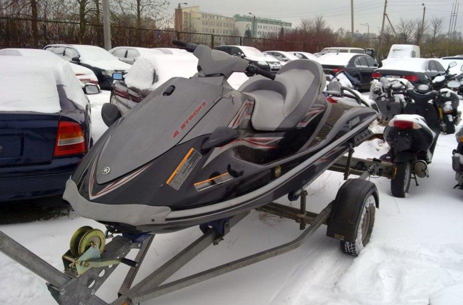 """Rastas vandens motociklas """"YAMAHA VX"""" su suklastotu rėmo numeriu ir priekaba."""
