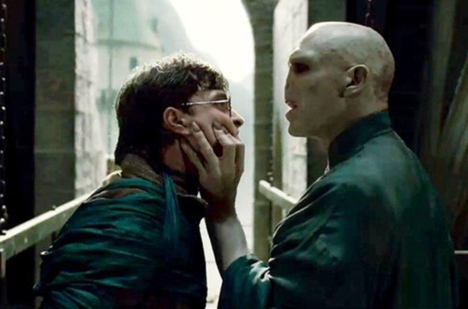 Kadras iš naujo filmo su Hariu Poteriu
