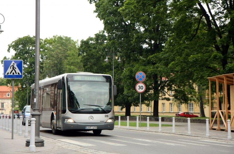 11 maršruto autobusas.