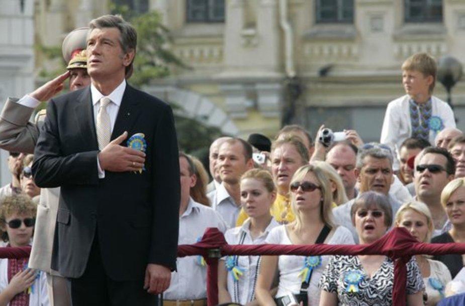 Ukrainos prezidentas  Kijevo centre  nepriklausomybės 17-ųjų metinių minėjime.