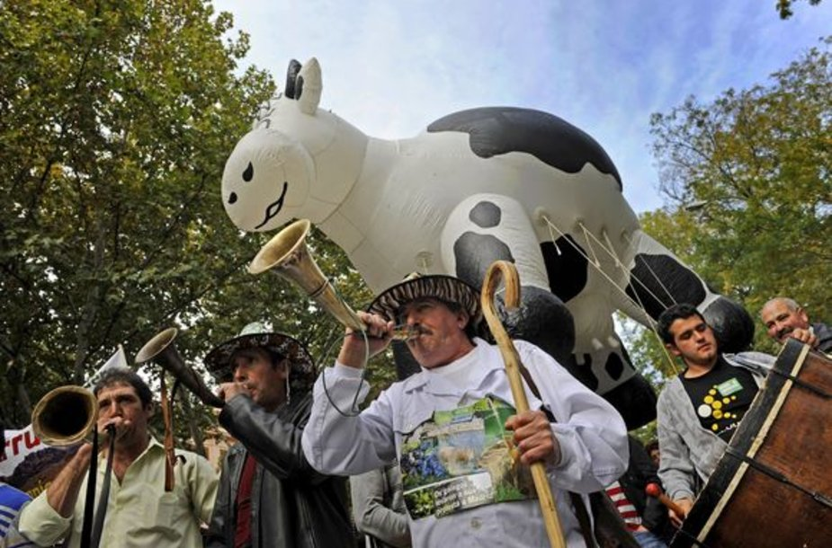 Šį savaitgalį Ispanijoje protestavo ūkininkai, kurie teigė, kad krizė baigia juos sužlugdyti.