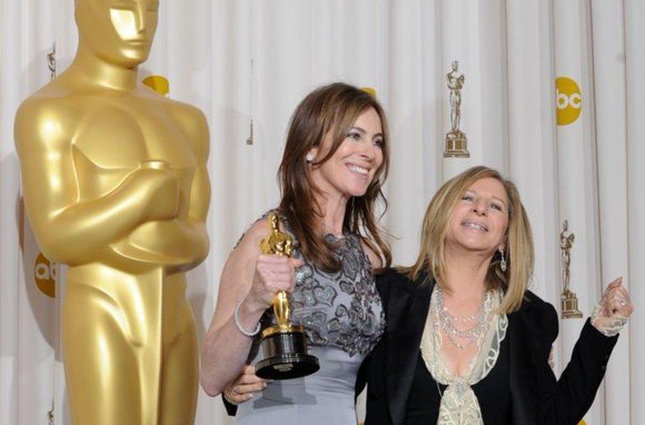 Geriausia režisiere tapo Kathryn Bigelow (kairėje).