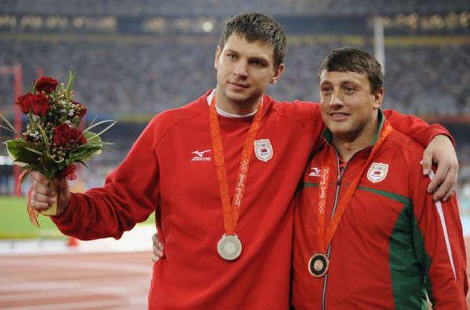 Vadimas Deviatovskis (kairėje) ir  Ivan Tichonas