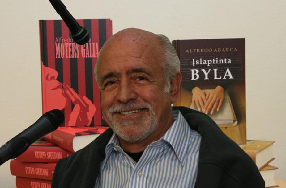 Rašytojas Alfredo Abarca