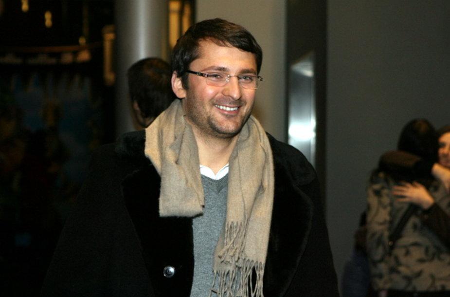 Mantas Petruškevičius prieš aštuonių valandų žiūrėjimo maratoną šypsojosi.