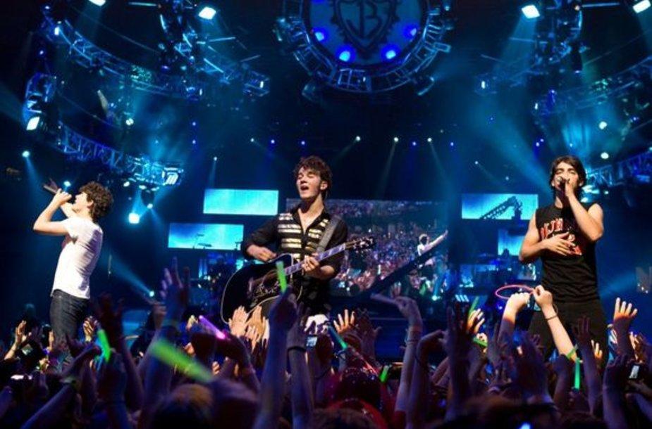 """Grupės """"Jonas Brothers"""" koncertas"""