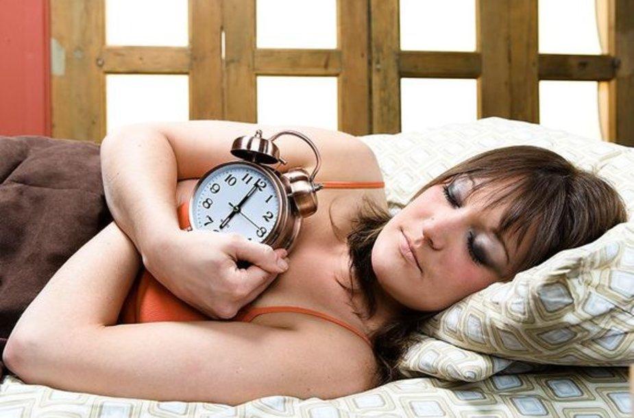 Moteris miega