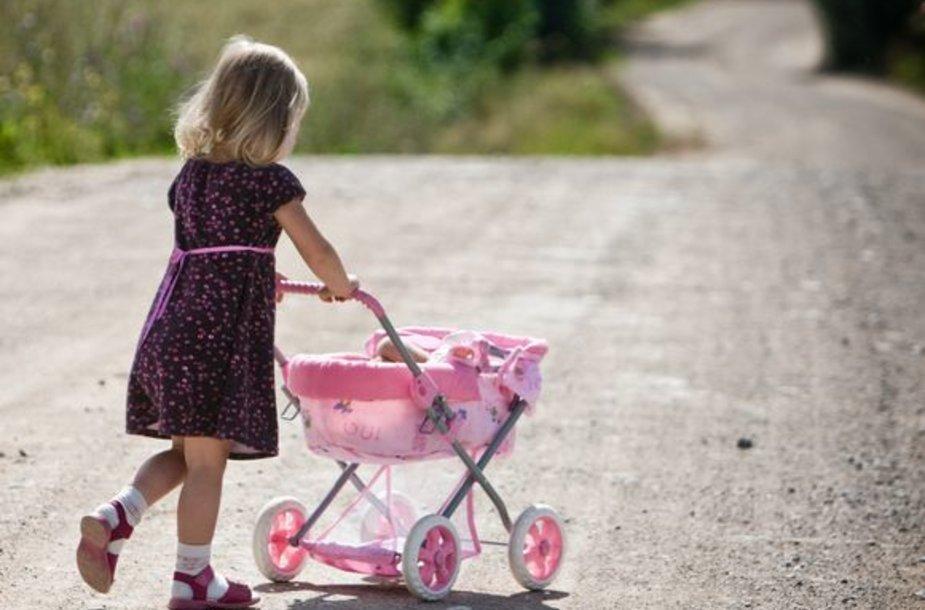 Daugėjant internacionalinių santuokų, dažnėja ir situacijos, kai tėvai nepasidalija vaikų.