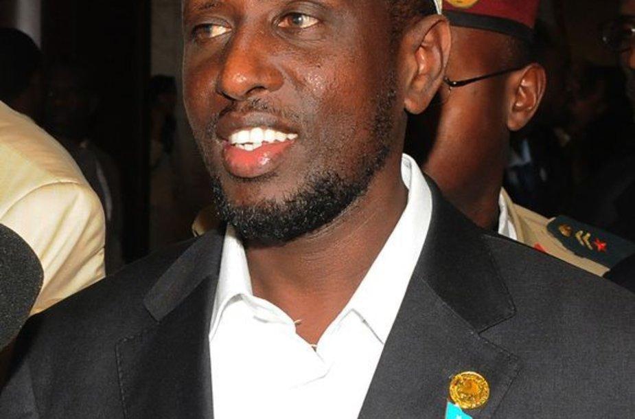 Somaliečiai švenčia šeicho Sharifo Ahmedo pergalę.