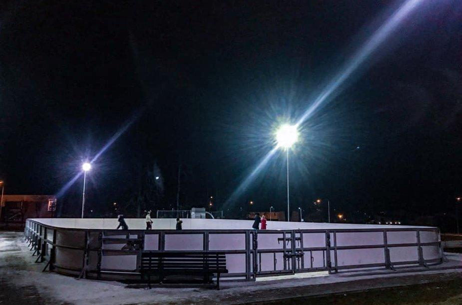 Lauko čiuožykla Molėtuose