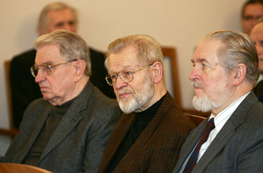 Vytautas Jurgis Bubnys (viduryje)