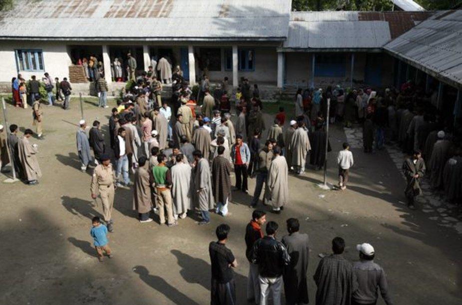 Indijoje prasideda ketvirto rinkimų etapo balsavimas.