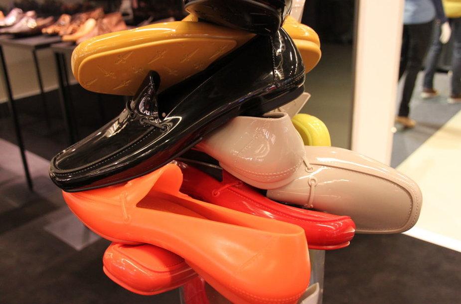Florencijos vyrai avės ryškiaspalviais batais.