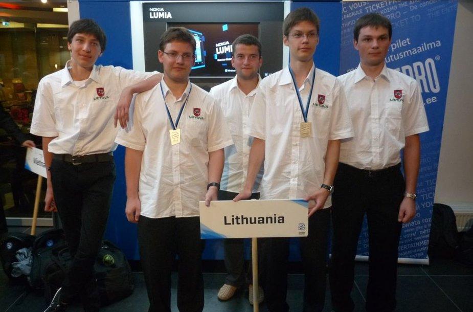 iš kairės į dešinę: Mantas Abazorius, Žygimantas Stražnickas, Marius Kerys, Daumantas Kavolis, Tomas Čerškus