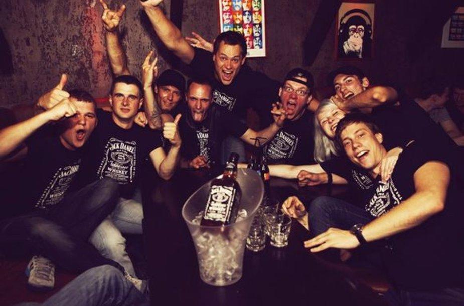 Vakaruose itin sparčiai populiarėjantis vakarėlių ciklas Pub Crawl, vedimi Jack Daniel's, atvyko ir į Lietuvą.