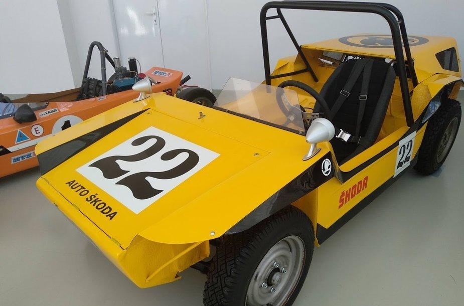 Škoda autokroso bagis muziejuje.